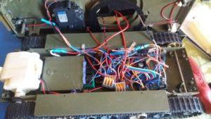 Arduino танк с bluetooth управлением
